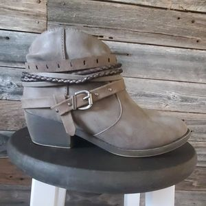 🤩Light Brown Ankle Booties🤩